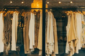 Gdzie można kupić ubrania używane online?