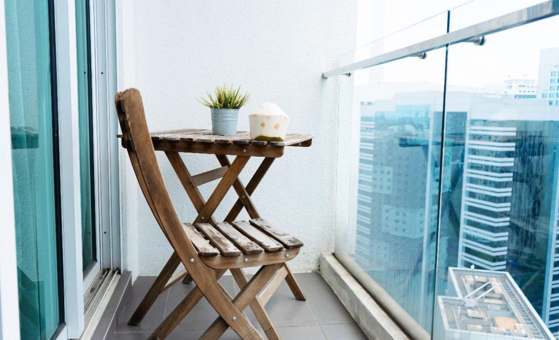 Jak urządzić mały balkon? Ciekawe pomysły i inspiracje