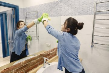Czym umyć lustro, aby nie było smug?