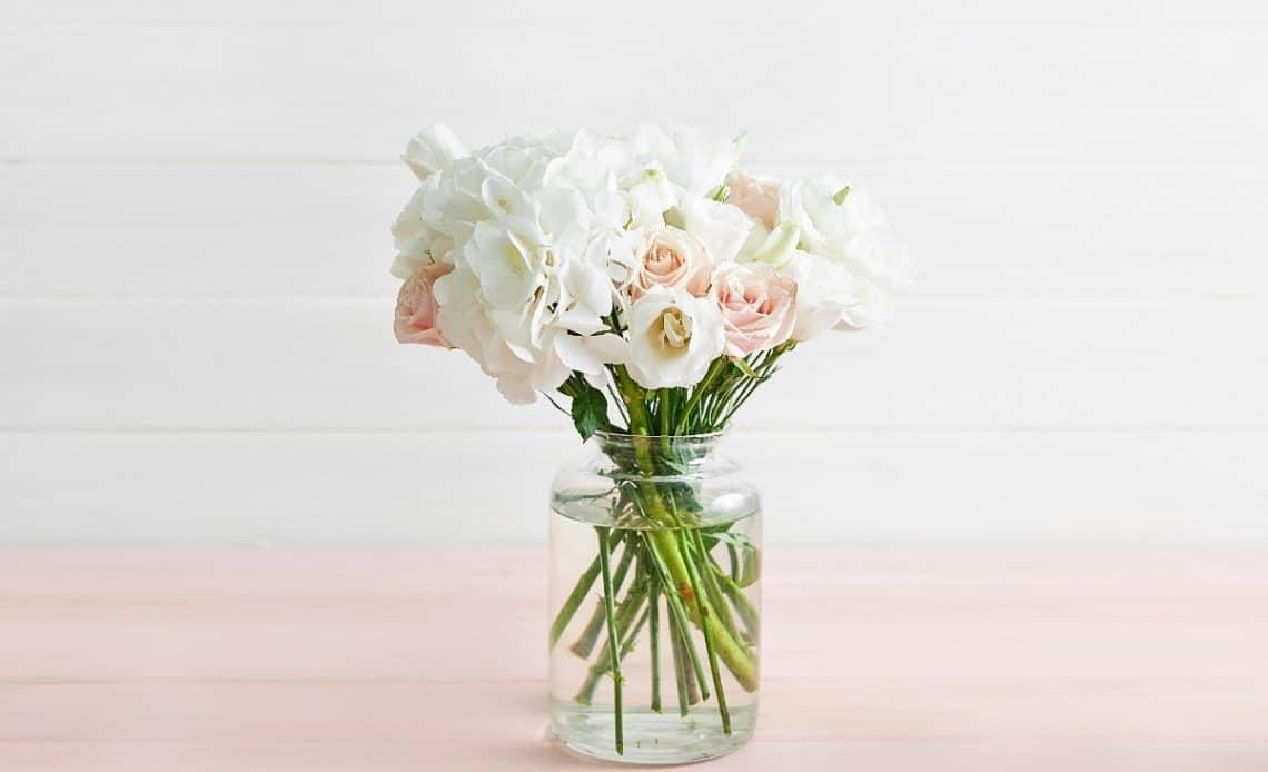 Świeże kwiaty, które warto mieć w wazonie!