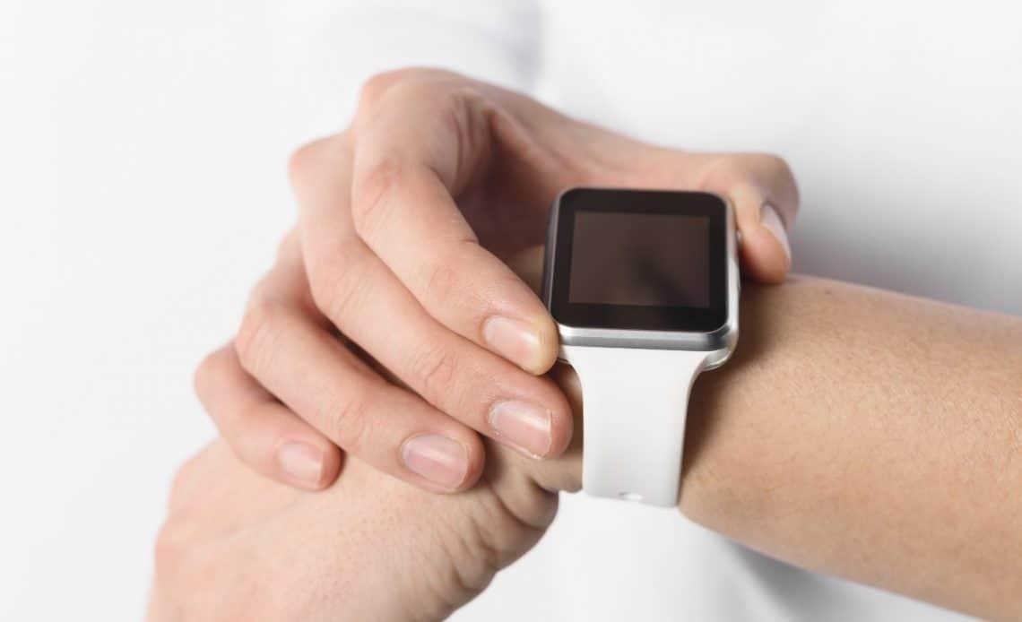 Czy warto kupić smartwatch? Jakie ma funkcje?
