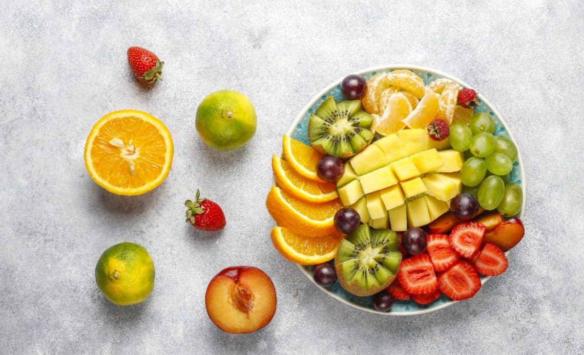 Ile kalorii mają owoce? Przyglądamy się!