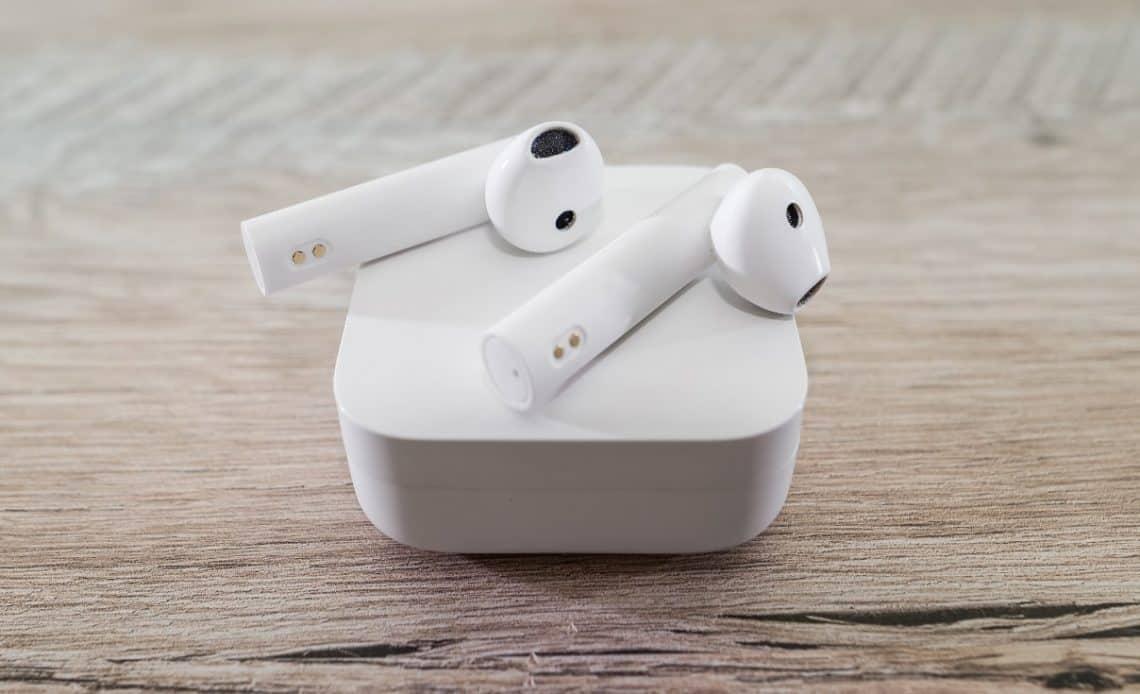 Jak podłączyć słuchawki bezprzewodowe do telewizora?