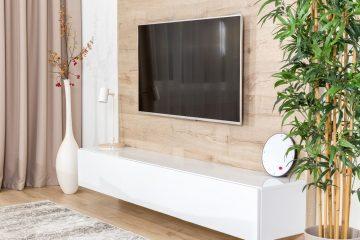 Jak powiesić telewizor? Przewodnik krok po kroku