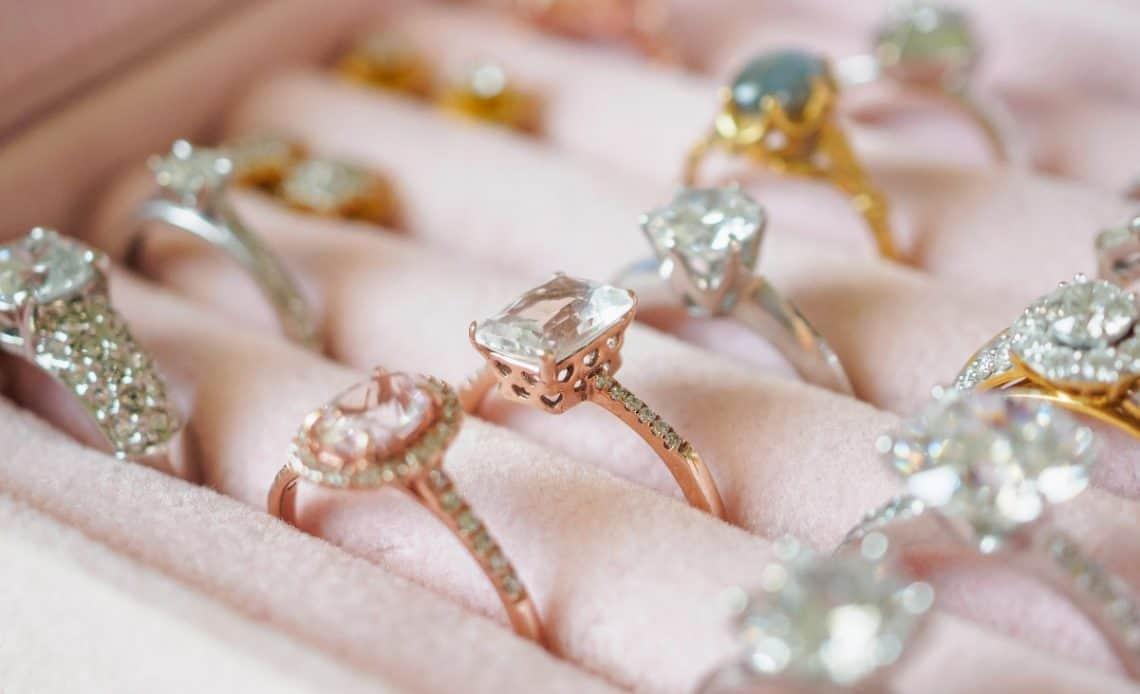 Jak przechowywać biżuterię? 7 sprawdzonych sposobów