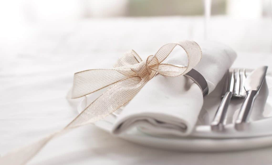 Jak przygotować stół na szczególne okazje?