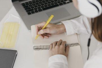 Jakie kursy online warto zrobić? Znajdź swoją nową pasję!