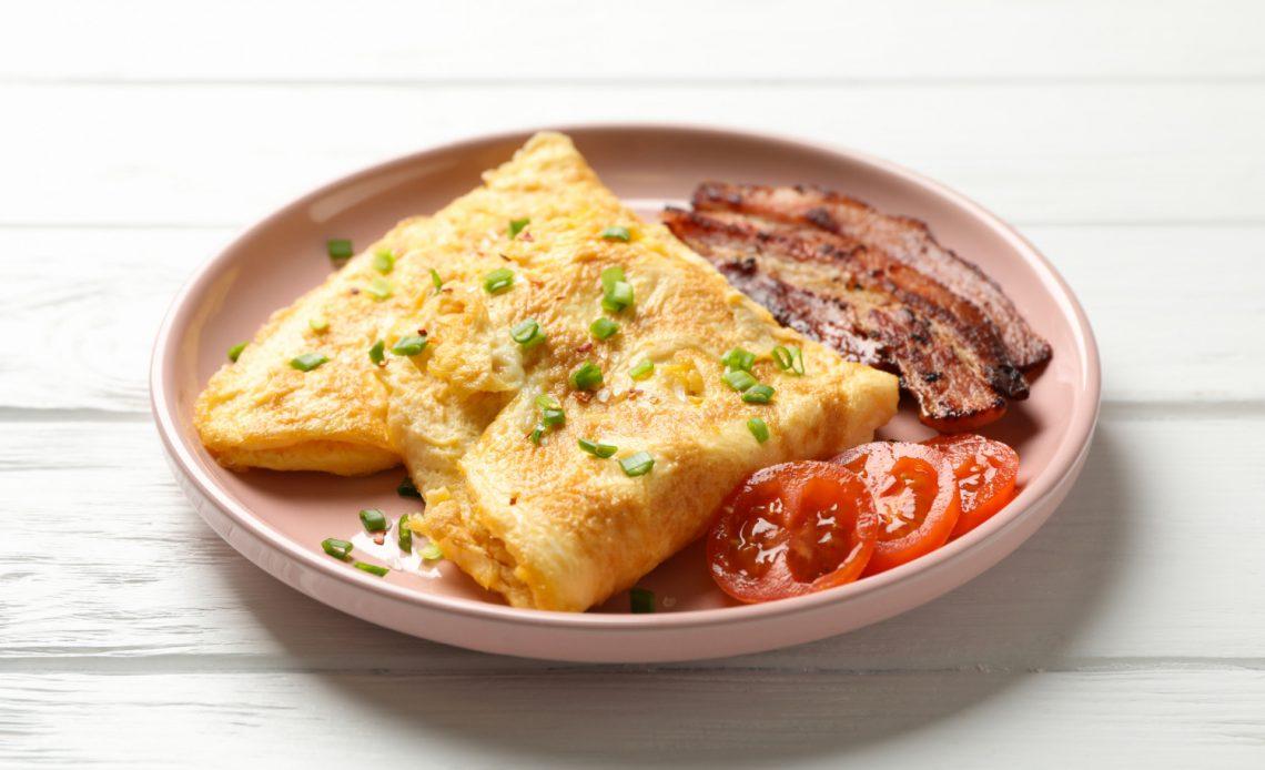 Jak zrobić omlet? Przepis i pomysły