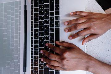 Jak wyczyścić klawiaturę laptopa?
